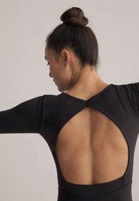 OYSHO - SHORT COMFORT  - Gym suit - black - 5