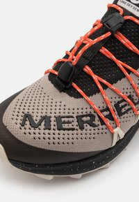 Merrell - LONG SKY SEWN - Zapatillas de trail running - black - 3
