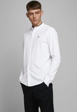 LANGARMHEMD MANDARINKRAGEN - Shirt - white