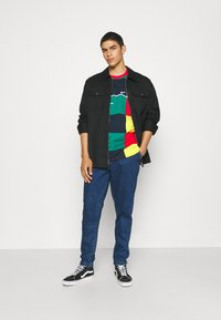 Anerkjendt - AKJULIUS PANT - Jeans Tapered Fit - medium blue denim - 1