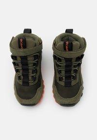 Columbia - CHILDRENS FLOWBOROUGH MID - Hiking shoes - nori/tangy orange - 3