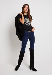 Pinko - EDGARDO - Print T-shirt - nero - 1