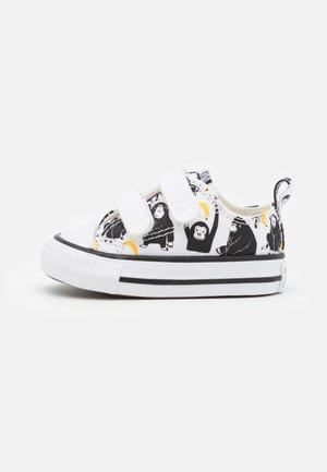 CHUCK TAYLOR ALL STAR JUNGLE FUN UNISEX - Trainers - white/black/yellow