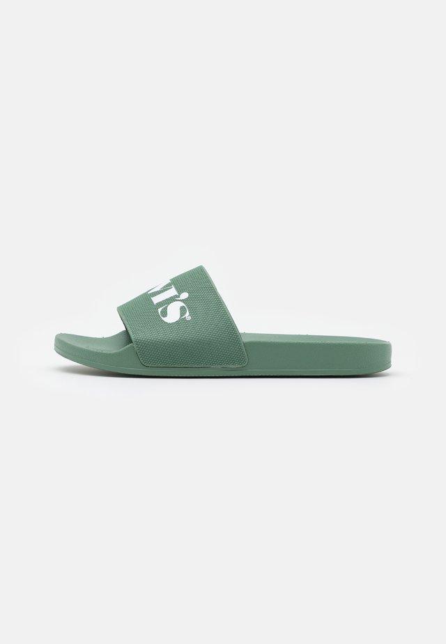 JUNE MONO - Pantofle - medium green