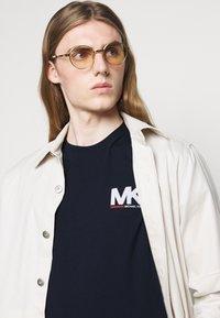 Michael Kors - SPORT LOGO TEE - Print T-shirt - dark midnight - 3