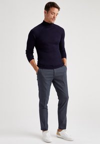 DeFacto - TAILORED FIT  - Tygbyxor - navy - 3