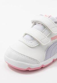 Puma - STEPFLEEX 2 UNISEX - Sports shoes - white/purple heather/peony - 2