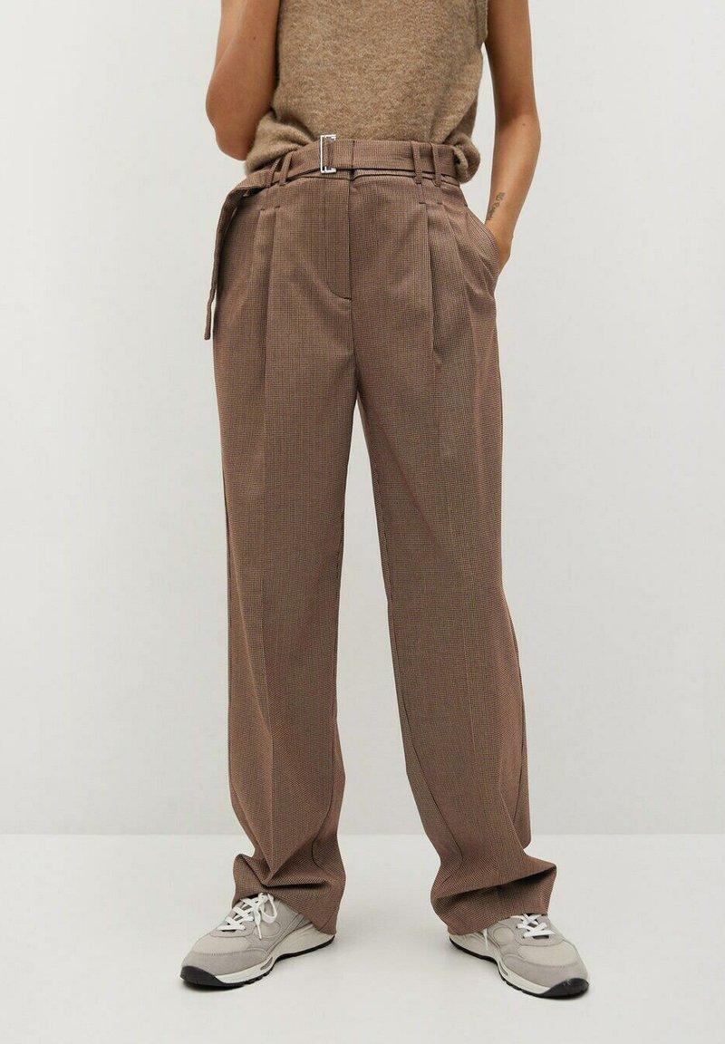 Mango - CLAUDI - Trousers - bruin