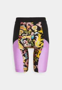 Versace Jeans Couture - LADY FUSEAUX - Shorts - black - 7