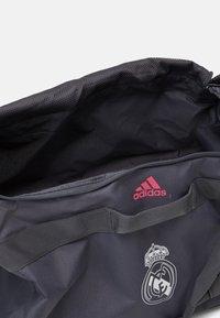 adidas Performance - REAL MADRID SPORTS FOOTBALL DUFFEL BAG UNISEX - Club wear - grey five/white/pink - 3