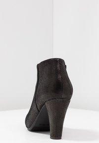 Carvela Comfort - ROSS - Korte laarzen - black - 5