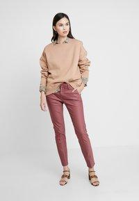 Mos Mosh - ABBEY PANT  - Trousers - wild plum - 1