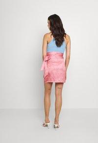 Never Fully Dressed - GRAPEFRUIT JASPRE - Wrap skirt - green/pink - 2