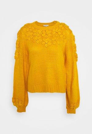 LEANA - Jumper - yellow
