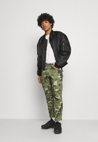 G-Star - ROVIC ZIP 3D STRAIGHT TAPERED - Cargo trousers - olive - 1