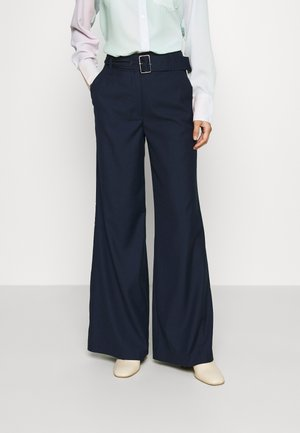 BELTED WIDE LEG TROUSERS - Trousers - true navy