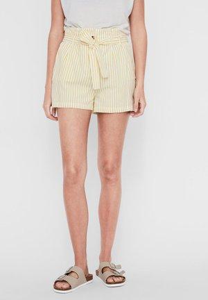 VMHELI - Shorts - snow white 3