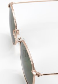 CHPO - LIAM - Sunglasses - gold-coloured/green