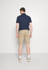 s.Oliver - CARGO - Shorts - brown - 2