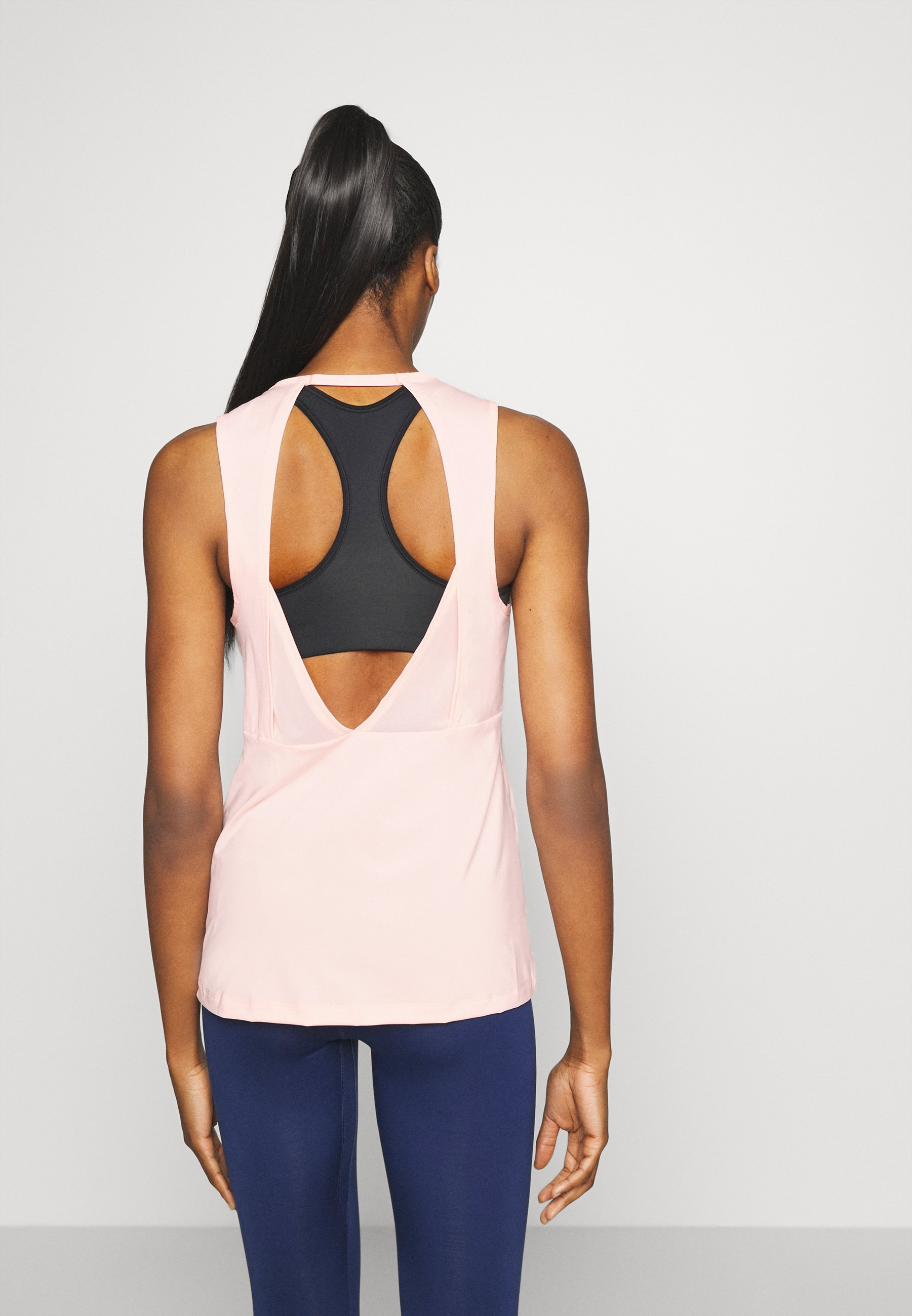 Nike Performance Top - washed coral/fire pink rYhA1