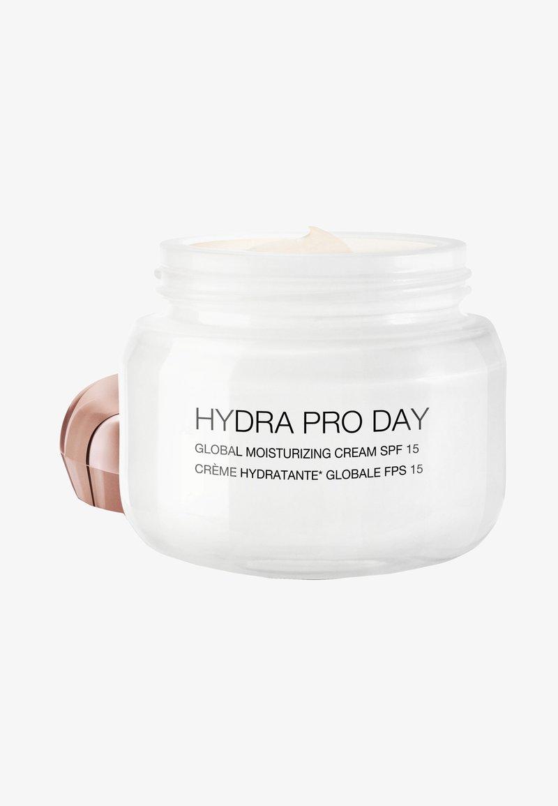 KIKO Milano - HYDRA PRO DAYSPF 15 - Face cream - -