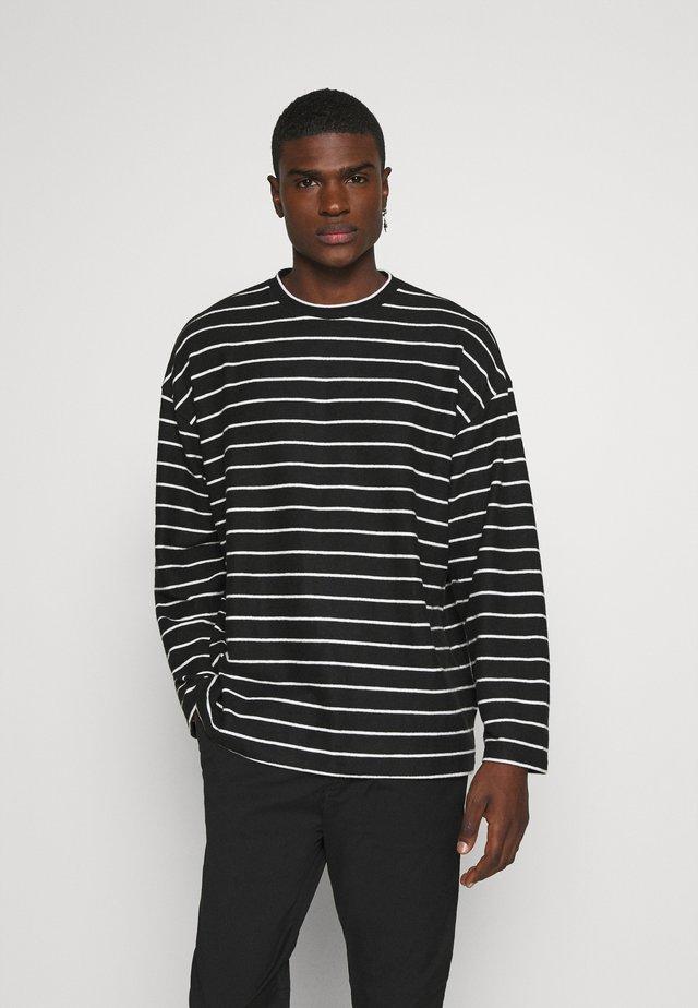 TOBIAS CREW - Stickad tröja - black/white