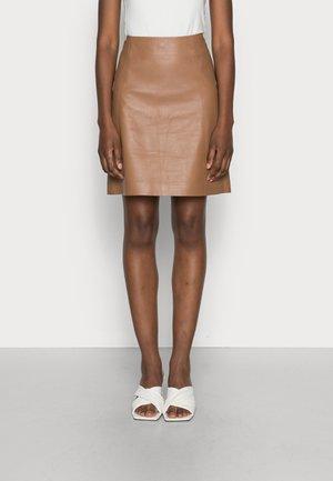 LIANA - Kožená sukně - hazelnut