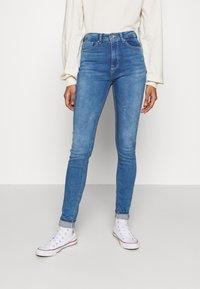 ONLY - ONLPAOLA LIFE - Jeans Skinny Fit - light medium blue denim - 0