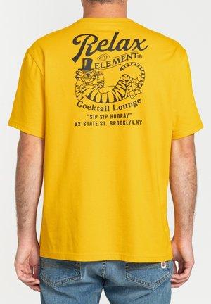 Print T-shirt - old gold