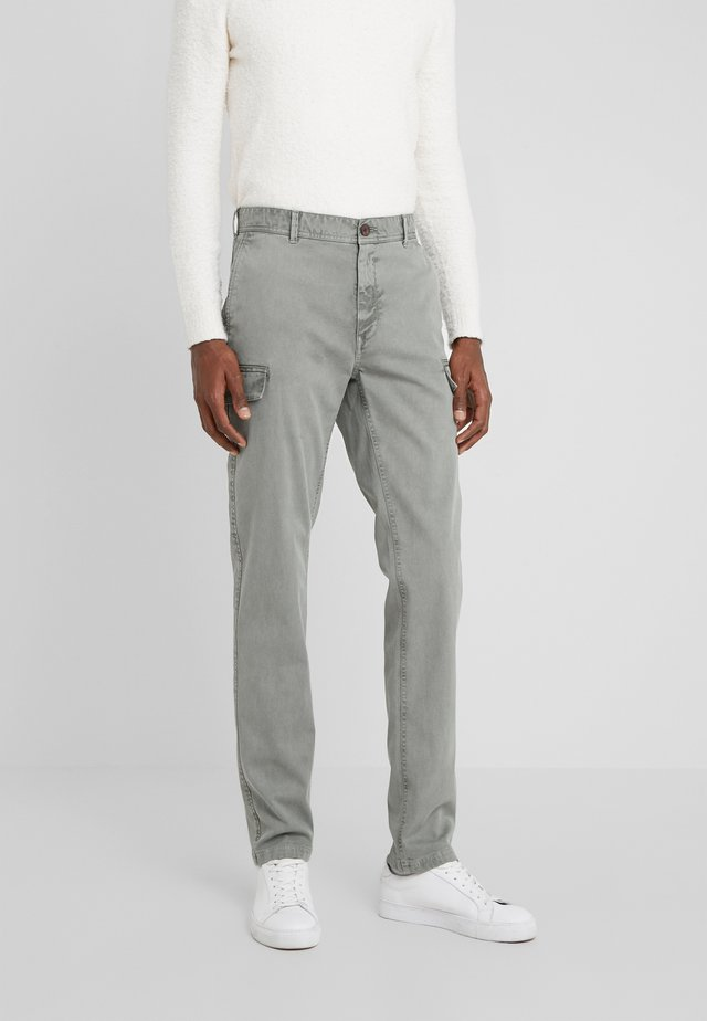 NEW CARGO - Cargo trousers - moss oliv