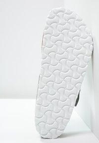 Birkenstock - GIZEH - T-bar sandals - metallic silver - 5