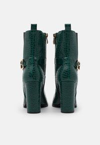 Tata Italia - Støvletter - green - 3