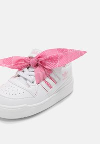 adidas Originals - FORUM UNISEX - Zapatillas - white/light pink - 6