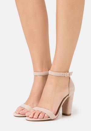 JERAYCLYA - High heeled sandals - bone