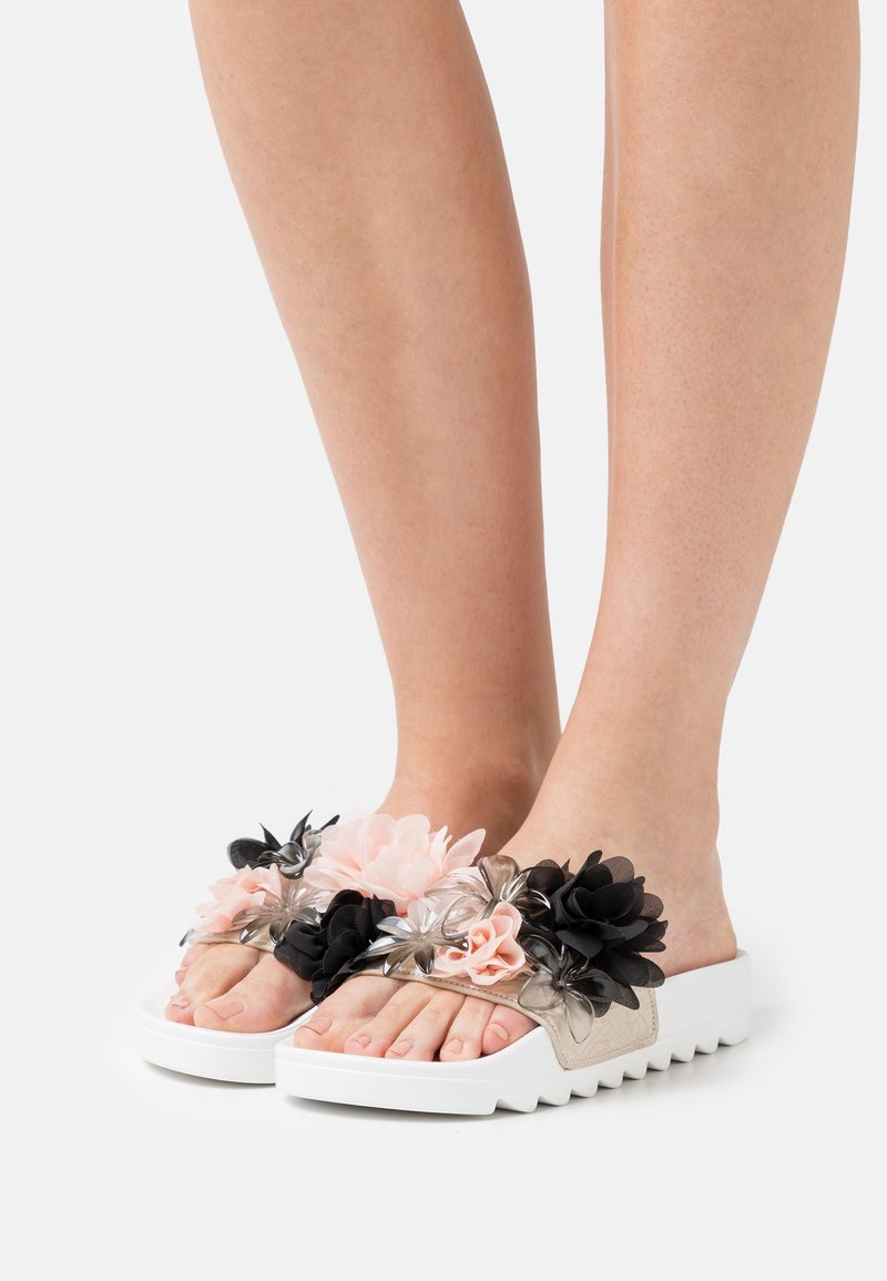 Colors of California - SLIDE FLOWER MIX - Mules - white
