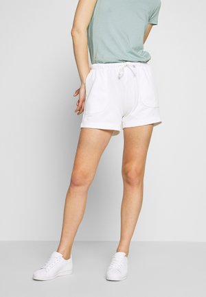 ATTACHED POCKETS - Shorts - dove white