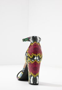 Madden Girl - BEELLA - Sandály na vysokém podpatku - bright multicolor - 5