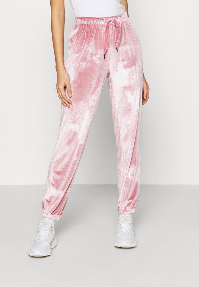 JDYVELVET CUFF PANT - Pantalon de survêtement - mesa rose