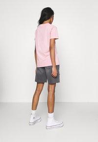 Noisy May - NMLUCKY LONGBOARDER - Shorts di jeans - black - 2