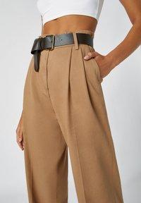 PULL&BEAR - Kalhoty - camel - 3