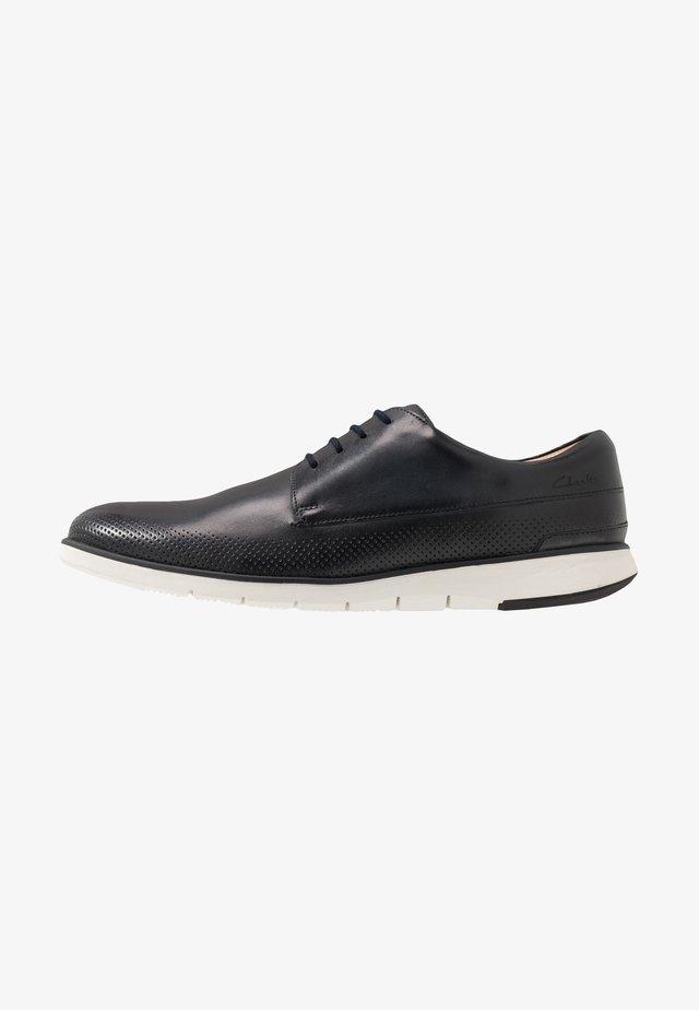 HELSTON WALK - Chaussures à lacets - navy