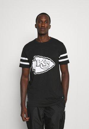 NFL KANSAS CITY CHIEFS INSPIRED TEE - Klubové oblečení - black