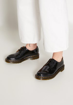 1461 3 EYE SHOE PATENT LAMPER - Lace-ups - black