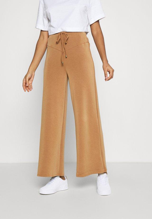 ANTOINETTE TROUSERS - Spodnie materiałowe - pecan