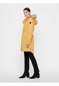 Vero Moda - VMTRACK EXPEDITION - Winter coat - gold - 1