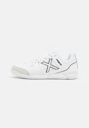 PRISMA - Indoor football boots - white