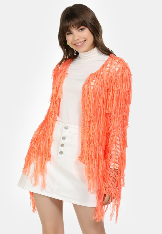 STRICKJACKE - Neuletakki - neon orange