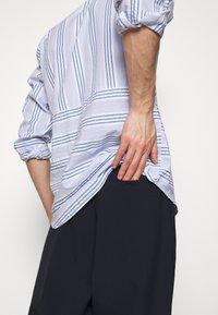 Henrik Vibskov - TAPE SHIRT - Shirt - light blue/white - 4