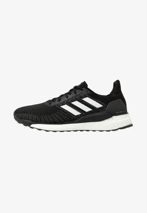 SOLAR BOOST 19 - Zapatillas de running neutras - core black/footwear white/signal green