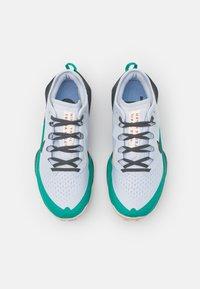 Nike Performance - AIR ZOOM TERRA KIGER 7 - Trail running shoes - football grey/black/ghost/iron grey/neptune green/crimson tint - 3